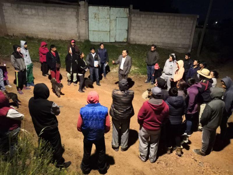 Se reúne alcalde de Tetla con vecinos de la comunidad de Agrícola de Dolores