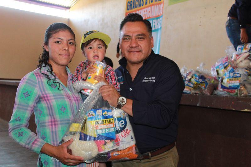 """GRACIAS A TU KILO DE AYUDA, HOY BENEFICIAMOS A FAMILIAS TETLENSES"" ELEAZAR MOLINA"